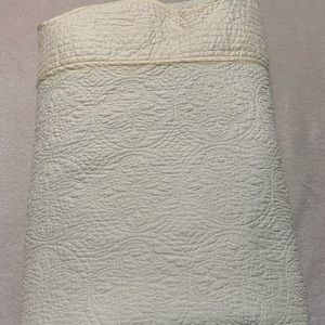 Other - Bed cover size Full-Queen